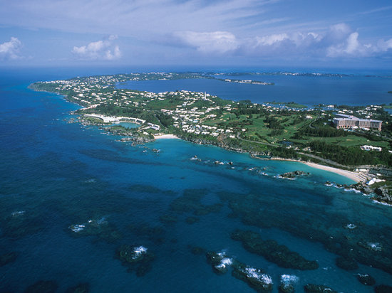 Approach to Hamilton, Bermuda