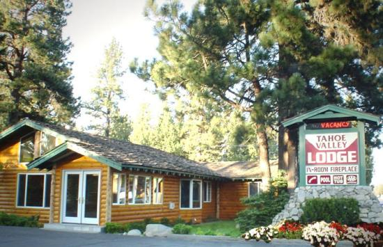 Tahoe Valley Lodge: Outside the property