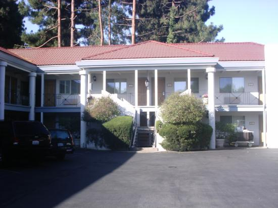 The Menlo Park Inn