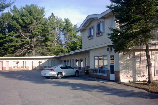 Photo of Pine Grove Motel Sault Ste. Marie