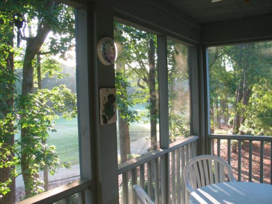 Pawleys Plantation Golf and Country Club: Porch looking at 11th fairway