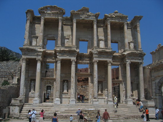Hotel Akay: Ephesus: near Selcuk.  Start at the top and walk down and take water.