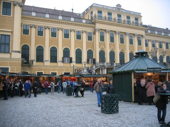 Schonbrunn palace christmas market november 2006 for Best hotel in vienna for christmas