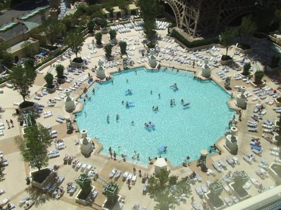 Cabana by the pool picture of paris las vegas las vegas for Paris hotel pool