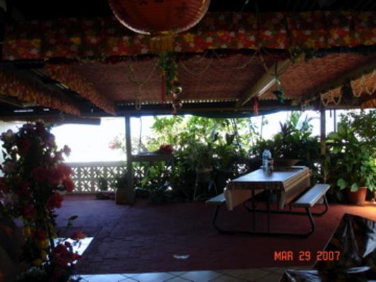 Tahiti Airport Lodge: dining room