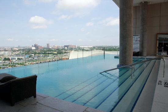 The Pool Lounge Picture Of W Dallas Victory Hotel