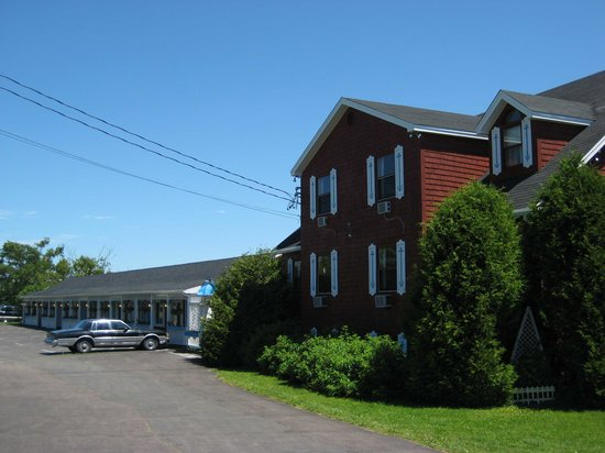 Hopewell Rocks Motel and Country Inn
