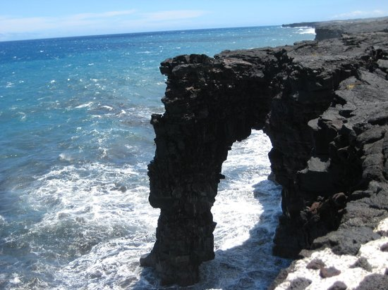 Volcn, Hawi: Sea arch - Volcanoes National Park