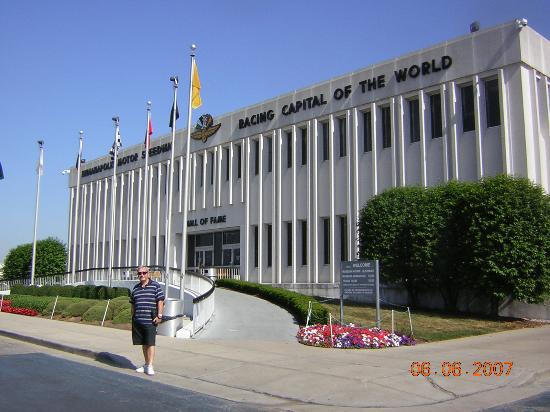 Indianapolis motor speedway and hall of fame museum for Hotels near indianapolis motor speedway indiana