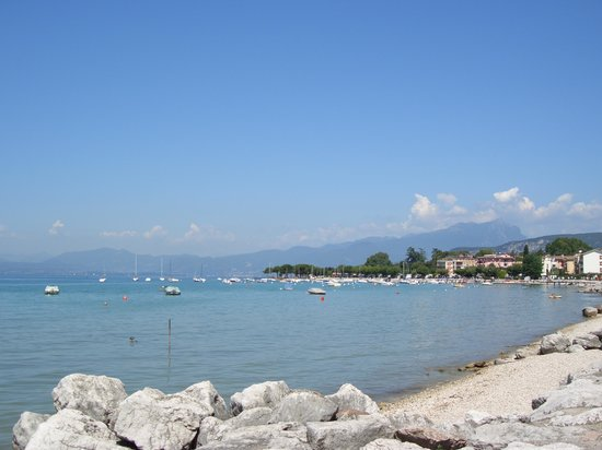 About 200m from the hotel - the view of the walk towards Bardolino