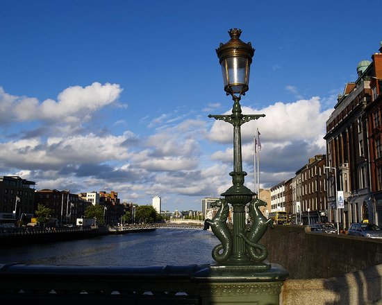 Dublin, Irland: Down the Liffey