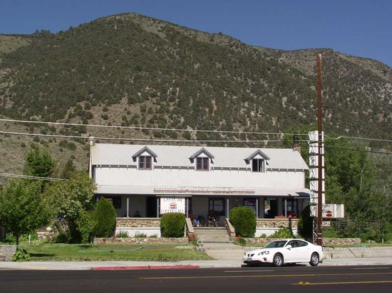 Photo of El Mono Motel Lee Vining