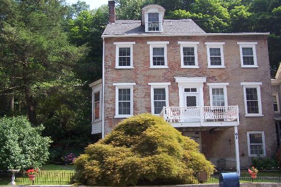 The Parsonage Bed and Breakfast: View of the Parsonage from across Broadway