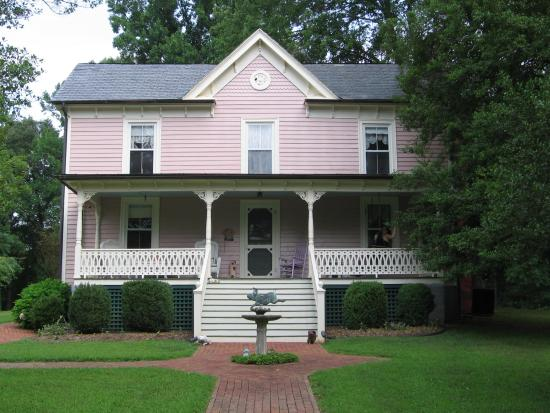 Photo of White Pig Bed and Breakfast Schuyler
