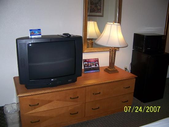 Holiday inn Express Hotel & Suites: 27