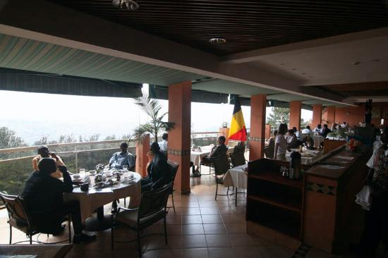 http://media-cdn.tripadvisor.com/media/photo-s/01/03/4f/ab/resturant-on-top-floor.jpg