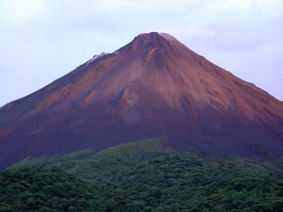 Arenal Kioro: Arenal glowing at sunset