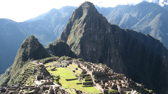 http://media-cdn.tripadvisor.com/media/photo-s/01/03/9d/e4/macchu-picchu.jpg