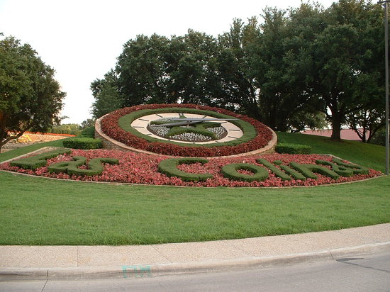Irving, TX: Las colinas floral clock, 10 minutes from hotel
