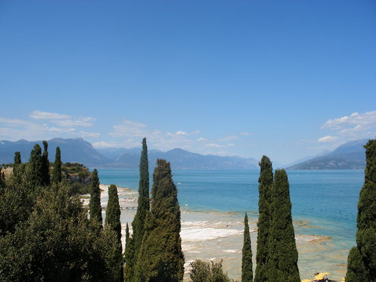 Sirmione, Italia: View from Hotel
