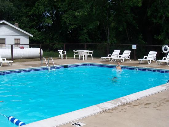 Stand Rock Campground: Pool