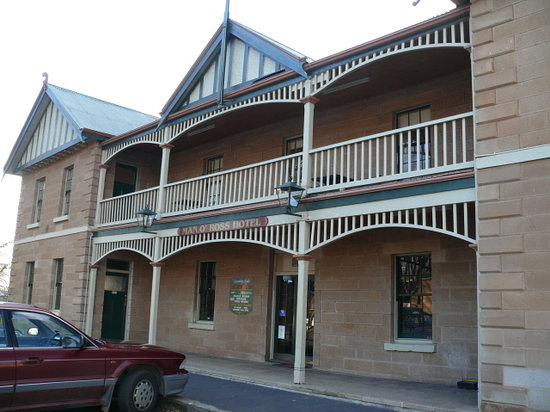 Man O' Ross Hotel