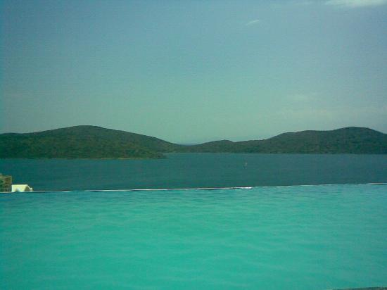 Elounda, Hellas: The infinity pool
