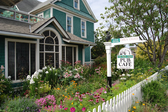 Shelburne Country Inn : Gardens at the Shelburne Inn, Seaview, WA