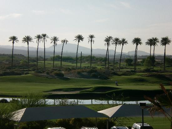 WorldMark Palm Springs: The golf course right next door