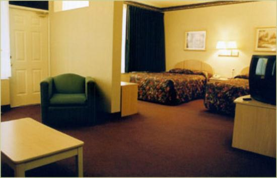 Quality Inn: Large Room
