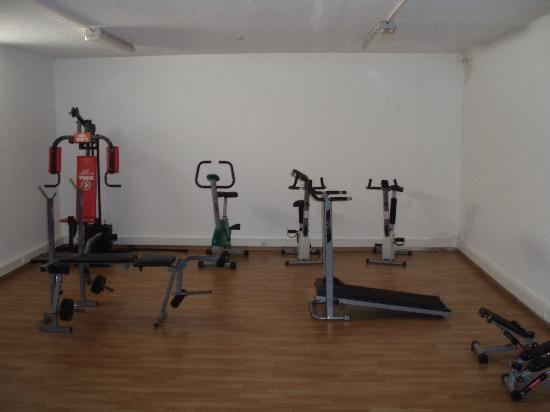 Oasis Beach Apartments: the non functional gym