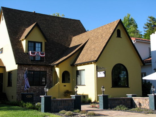 Photo of Bridge House Bed and Breakfast Redding