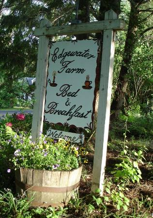 EdgeWater Farm Bed and Breakfast: the sign
