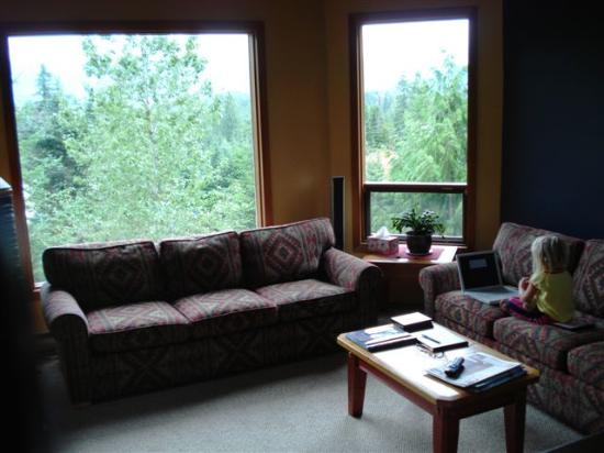 Whistler Mountain House: Common Living Room