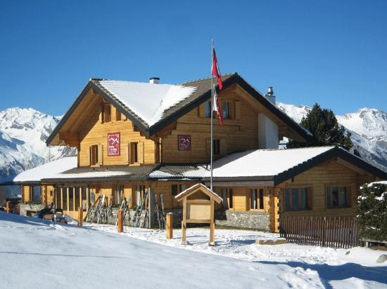 Hameau Mountain Lodge