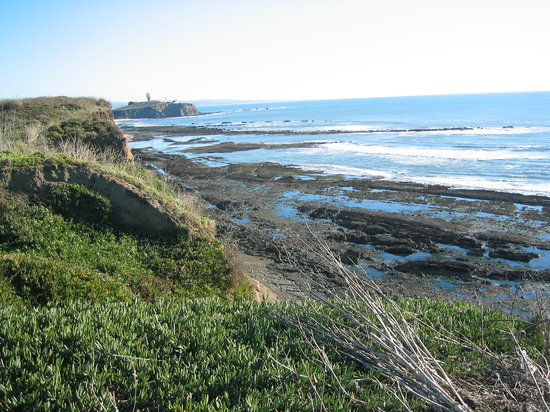 Half Moon Bay, Kalifornien: Coastal hiking trail south to Mavericks/Pillar Point/HMB