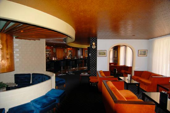 Le Touquet – Paris-Plage, France: Back to the 70's in the Ascot Bar