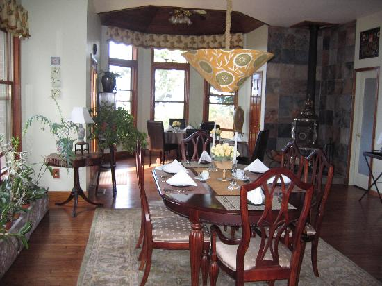 Wildwood Manor Bed and Breakfast: Wildwood Manor Dining Room