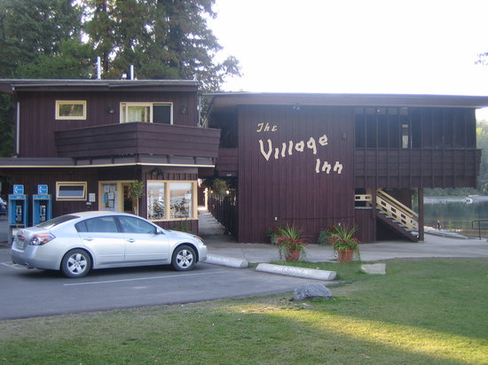 Village Inn At Apgar: Side shot of the Village Inn showing the office