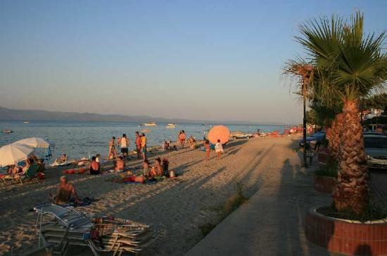 pefkohori-beachfront.jpg