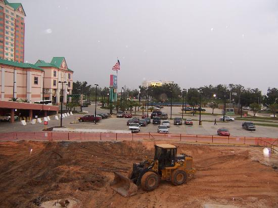 Isle Casino Hotel Biloxi: Isle of Capri with construction next door