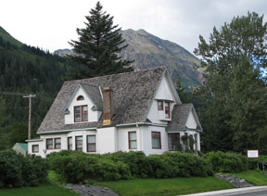Photo of Ballaine House Bed and Breakfast Seward