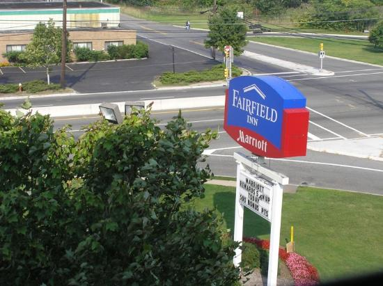 Fairfield Inn East Rutherford Meadowlands: Sign outside