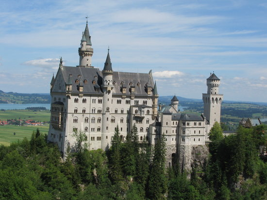 Munich, Germany: Neushwanstein