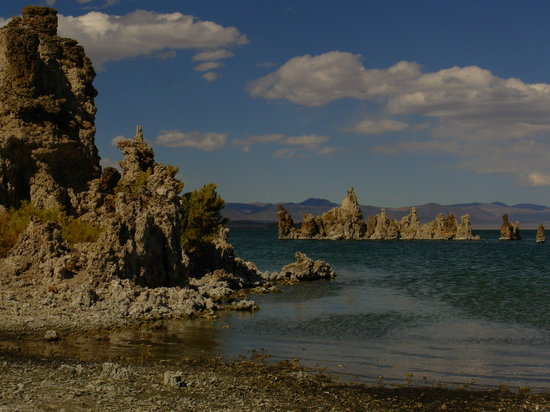 California: Tufa in Mono Lake, CA