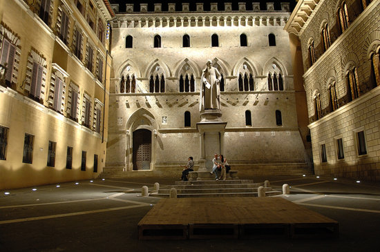 A Saturday night in Siena