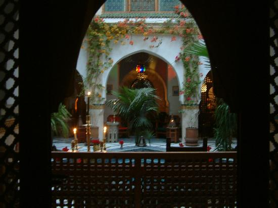 Riad Moucharabieh: The patio courtyard