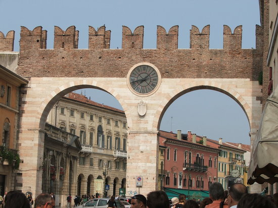 Vérone, Italie : Verona city gate