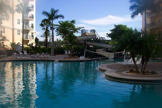 Wyndham Palm-Aire: view of the pool