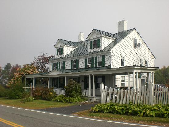 Shaker Hill Bed and Breakfast: Front view of Shaker Hill B&B